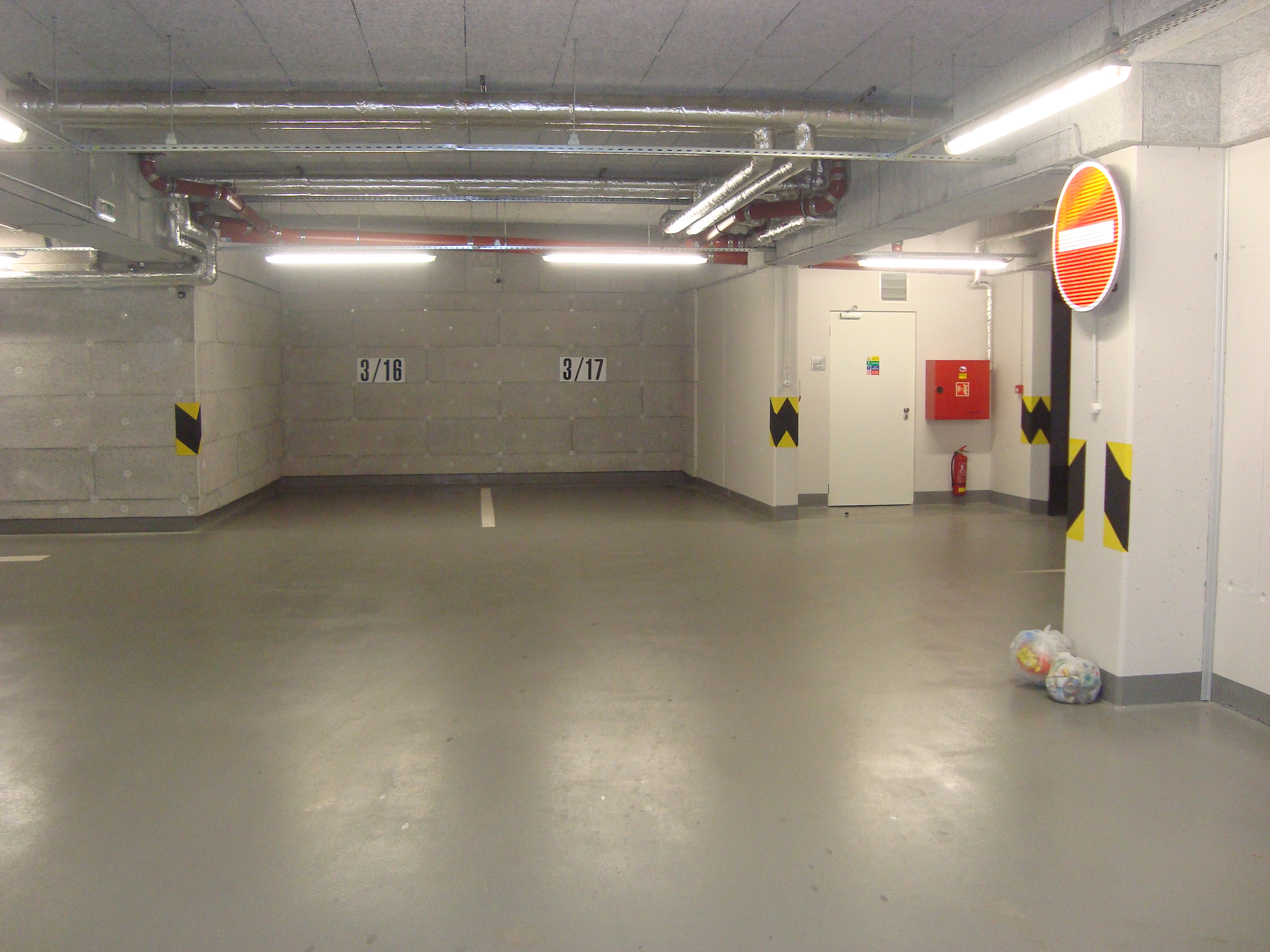 Zajištěné parkování pro ubytované rodiny v apartmánu ve Špindlu